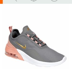Nike Air Max Motion 2 Sneaker 9.5